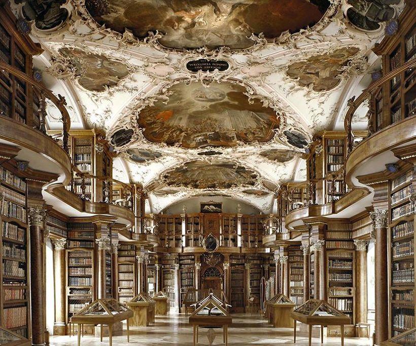 Итальянский фотограф снял самые красивые библиотеки мира
