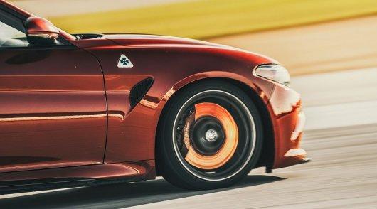 Почему с ростом скорости, тормозной путь увеличивается не пропорционально?