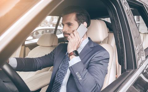 За разговоры по мобильнику за рулем — лишение прав! Новая инициатива во Франции