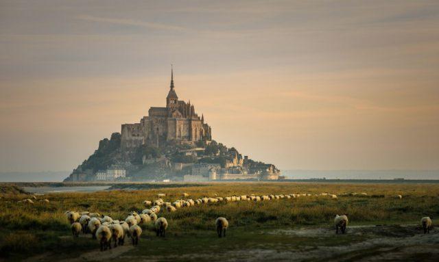 Сказочные замки из разных уголков мира