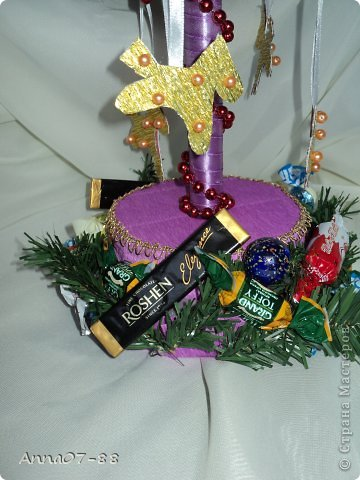 Мастер-класс Новый год Новогодняя карусель Бумага гофрированная Бутылки пластиковые Клей фото 3