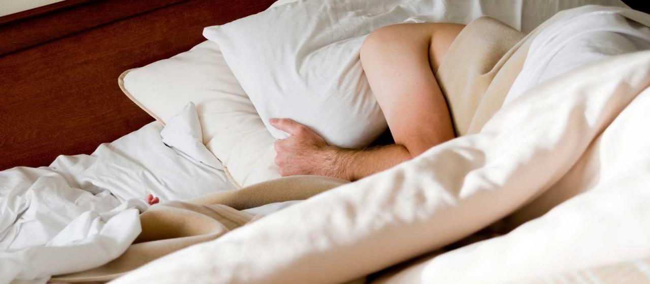 """Нарушение сна у женщин возраста """"за 40"""" — отчего оно возникает и как вернуть здоровый сон?"""
