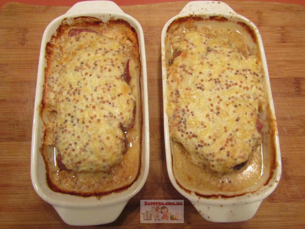 Отбивные из свинины в духовке, в сметанной заливке с горчицей и сыром