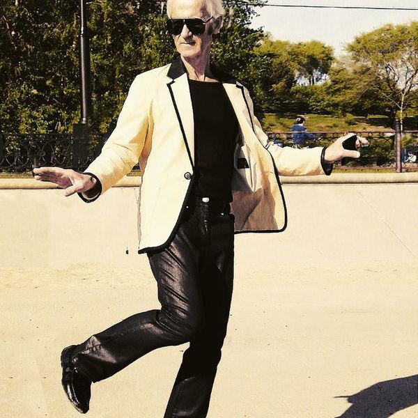 Знай наших: 72-летний дед из Хабаровска затмил танцующего миллионера