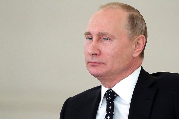 Президент собрал в Кремле бывших губернаторов
