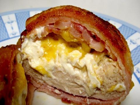 Куриное филе, запечённое в беконе - просто и вкусно.
