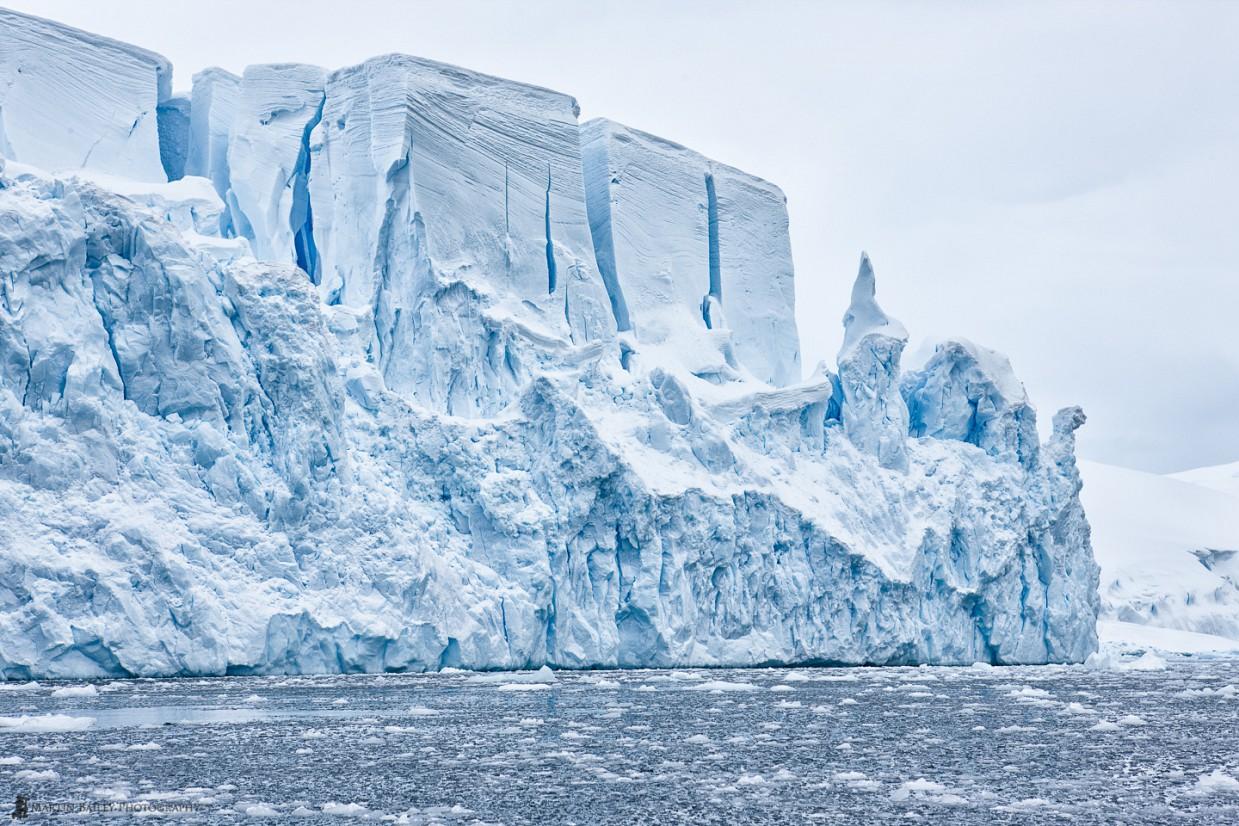 Ученые: Антарктиду уничтожают теплые глубинные течения