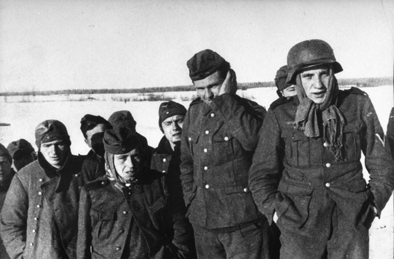 Порно зоя в плену у немцев фото 446-756