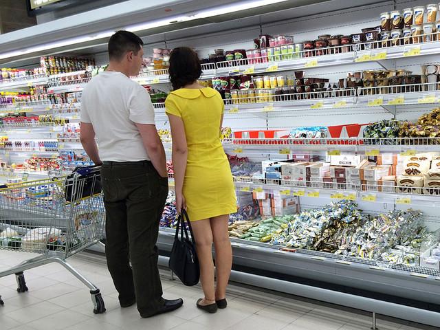 Ритейлеры видят угрозу перебоев с продуктами из-за поправок в закон о торговле