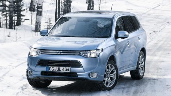 Mitsubishi серьезно обновит Outlander PHEV в следующем году