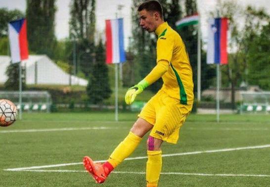 Болевший за Россию украинский вратарь принес извинения