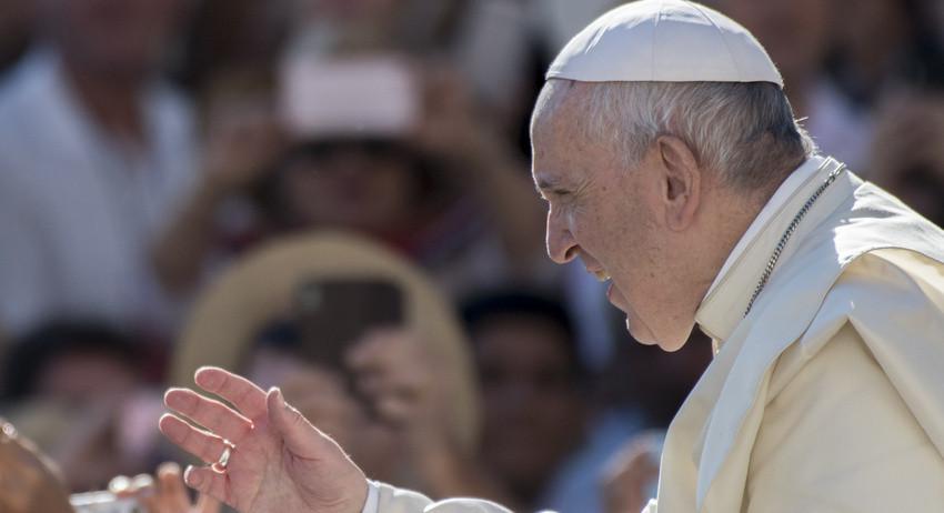 Папа римский попытался усове…