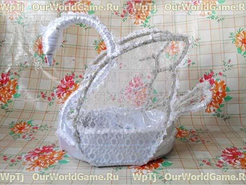 Завершаем декорирование корзинки в форме лебедя
