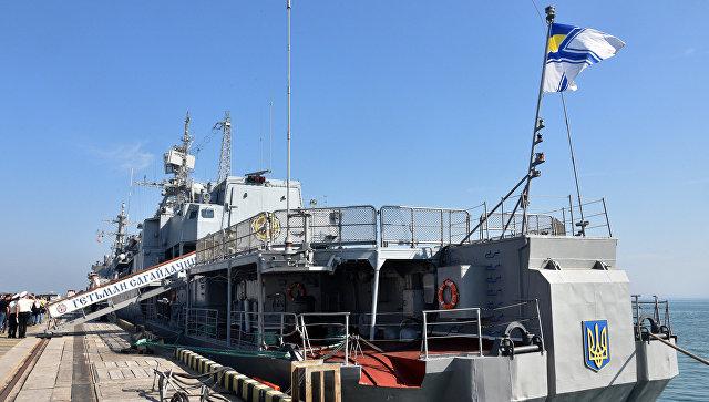 Флагманский корабль ВМС Украины сломался сразу после ремонта