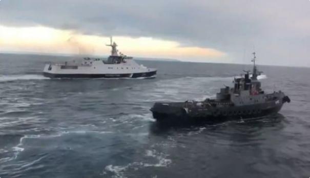 Порошенко: Россия напала на украинские корабли в нейтральных водах около Турции