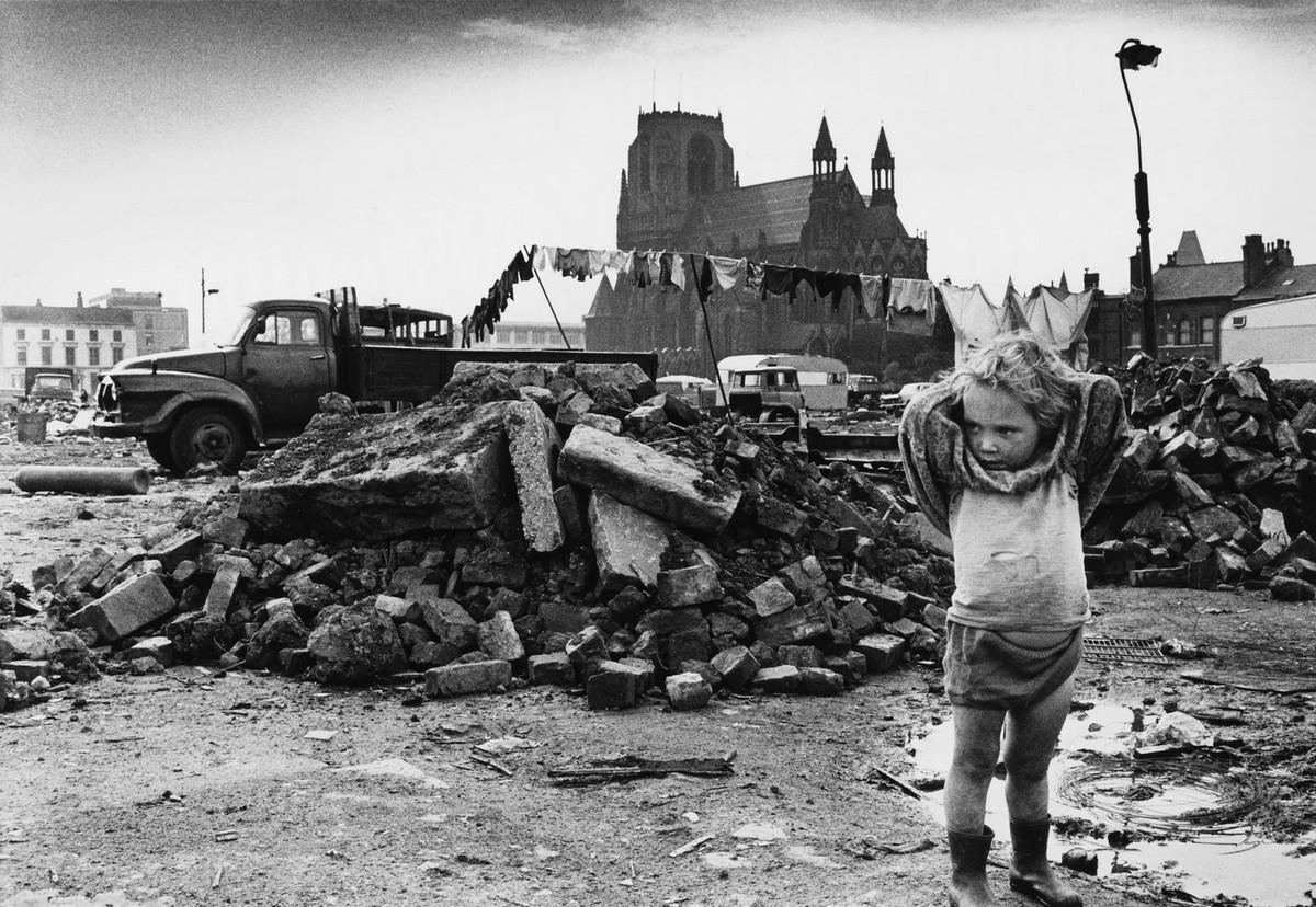Обаяние трущоб Манчестера в фотографиях Ширли Бейкер 1960-х годов 11