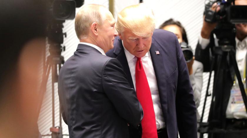 СМИ узнали детали переговоров Путина и Трампа по Донбассу