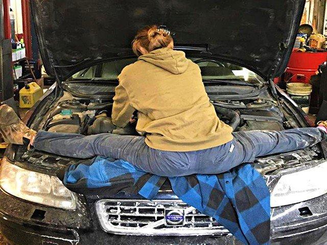 23 фото, объясняющих, почему нужно опасаться женщин за рулем