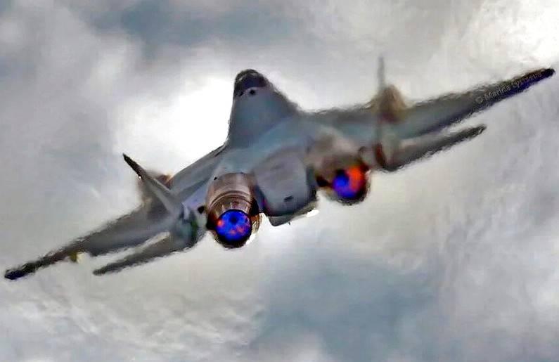 Выступление истребителей Т-50: русские невидимки показали высший пилотаж