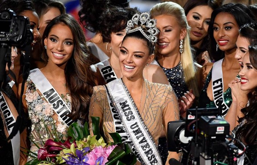 В конкурсе «Мисс Вселенная-2017» победила Деми-Ли Нель-Питерс из ЮАР