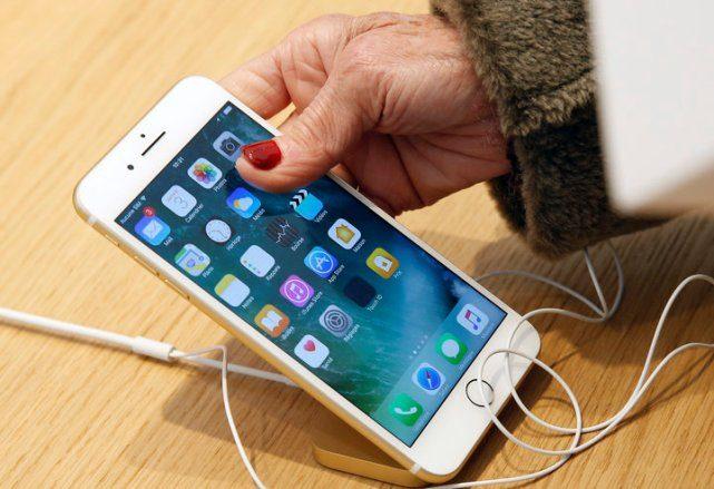 11 вещей, которые нужно срочно перестать делать с телефоном