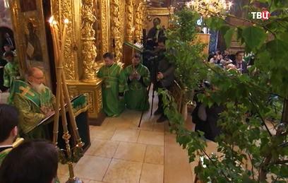 Православные верующие во всем мире отмечают День Святой Троицы