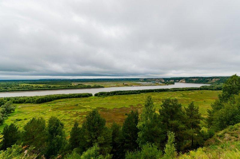 Иртыш - одна из самых больших рек Сибири