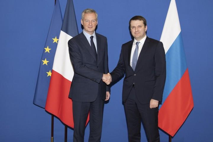 """Россия и Франция подписали """"дорожную карту"""" по активизации экономического сотрудничества"""