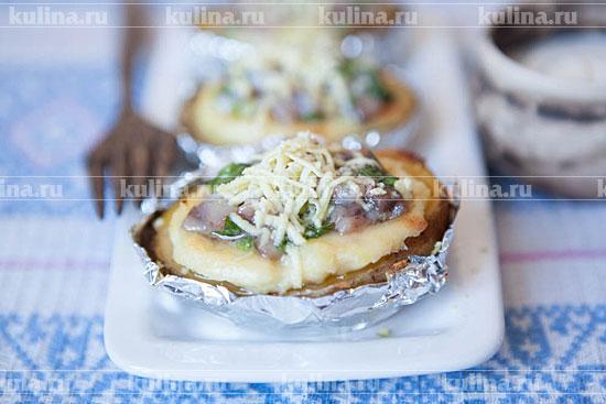 Картофель запеченный с сыром в фольге