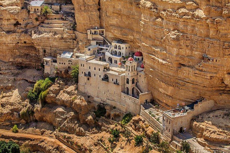 А здесь - не индийские храмы, а Монастырь Святого Георгия в Иудейской пустыне Израиль, красиво, красивые места, природа, страны, страны мира, фото, фотограф