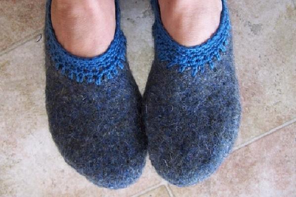 Тапочки своими руками из старого свитера
