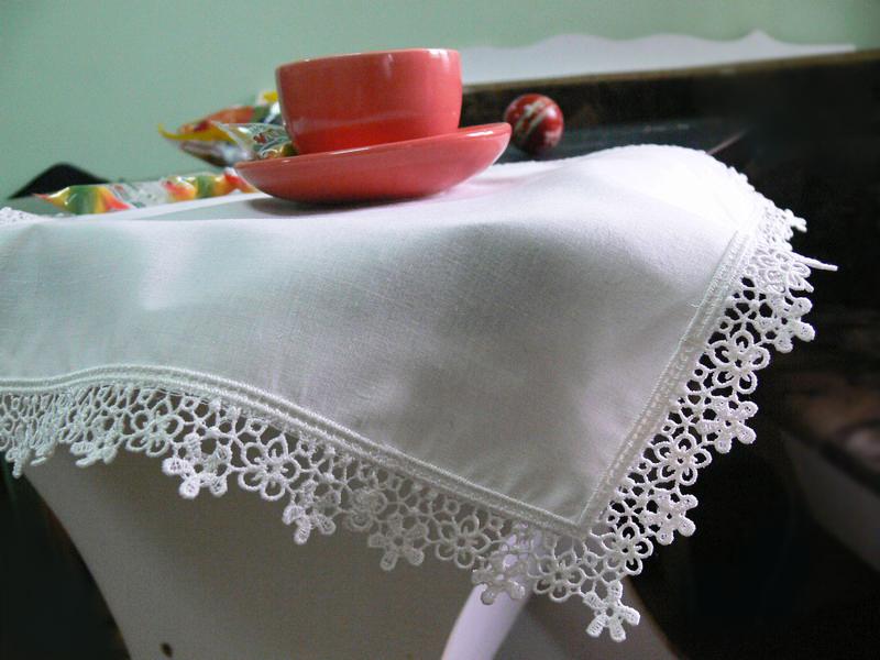 Выполнение кружева по краю изделия на вышивальной машине