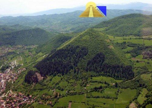 Боснийская долина пирамид рядом с городом Високо
