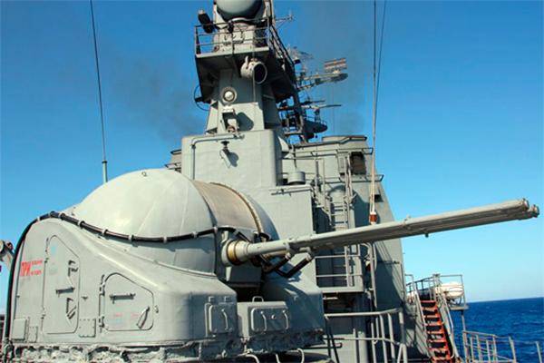 Российские корабли ВМФ защитили гумконвой