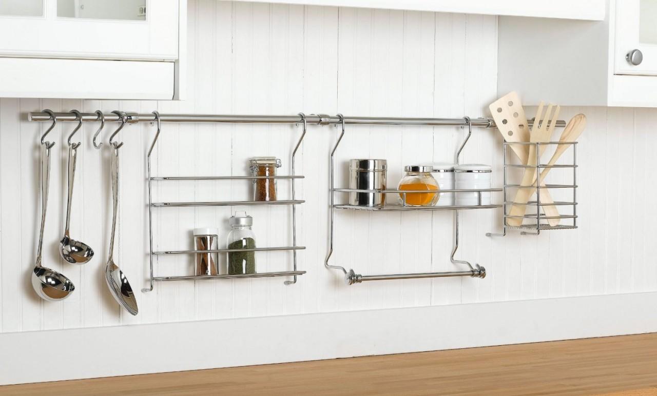Рейлинг - отличная замена верхним шкафам кухни
