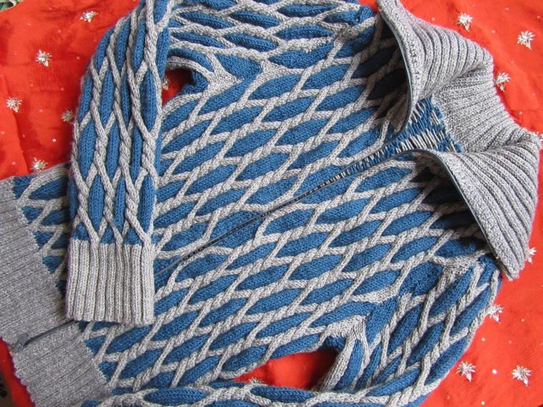 Ромбы в одежде. Техника объемного вязания