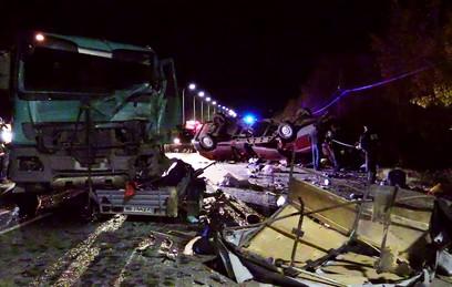 Суд арестовал водителя фуры в Чувашии после ДТП с 11 жертвами