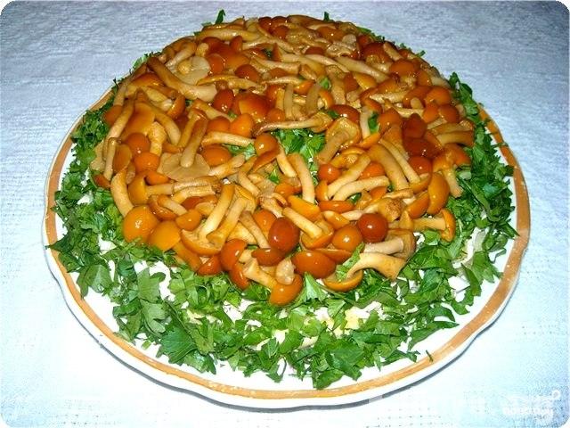 Салат грибная полянка сфото