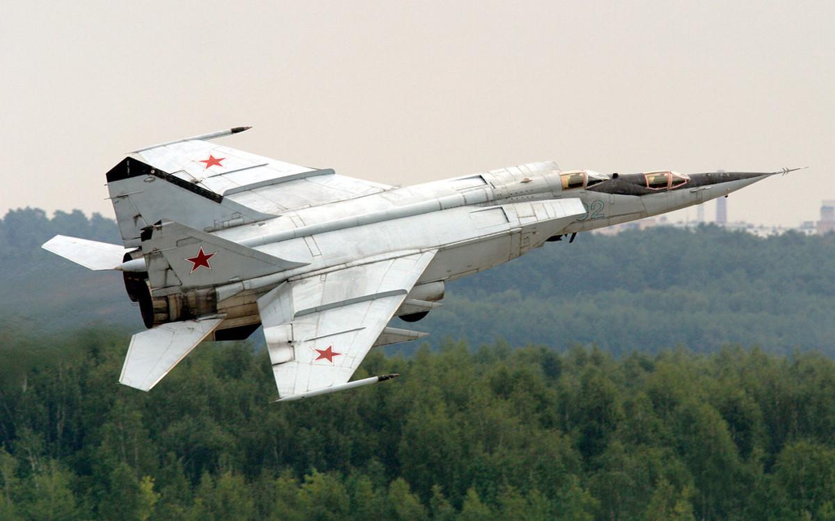 История советского сверхзвукового МиГ-25