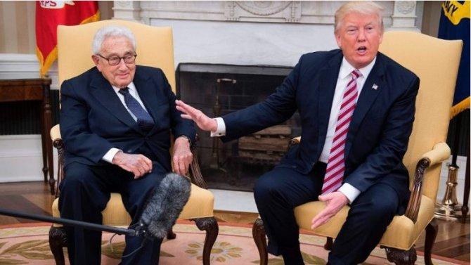 Киссинджер, держите пенсне…П…