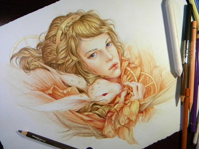 Очаровательные женские портреты, выполненные цветными карандашами