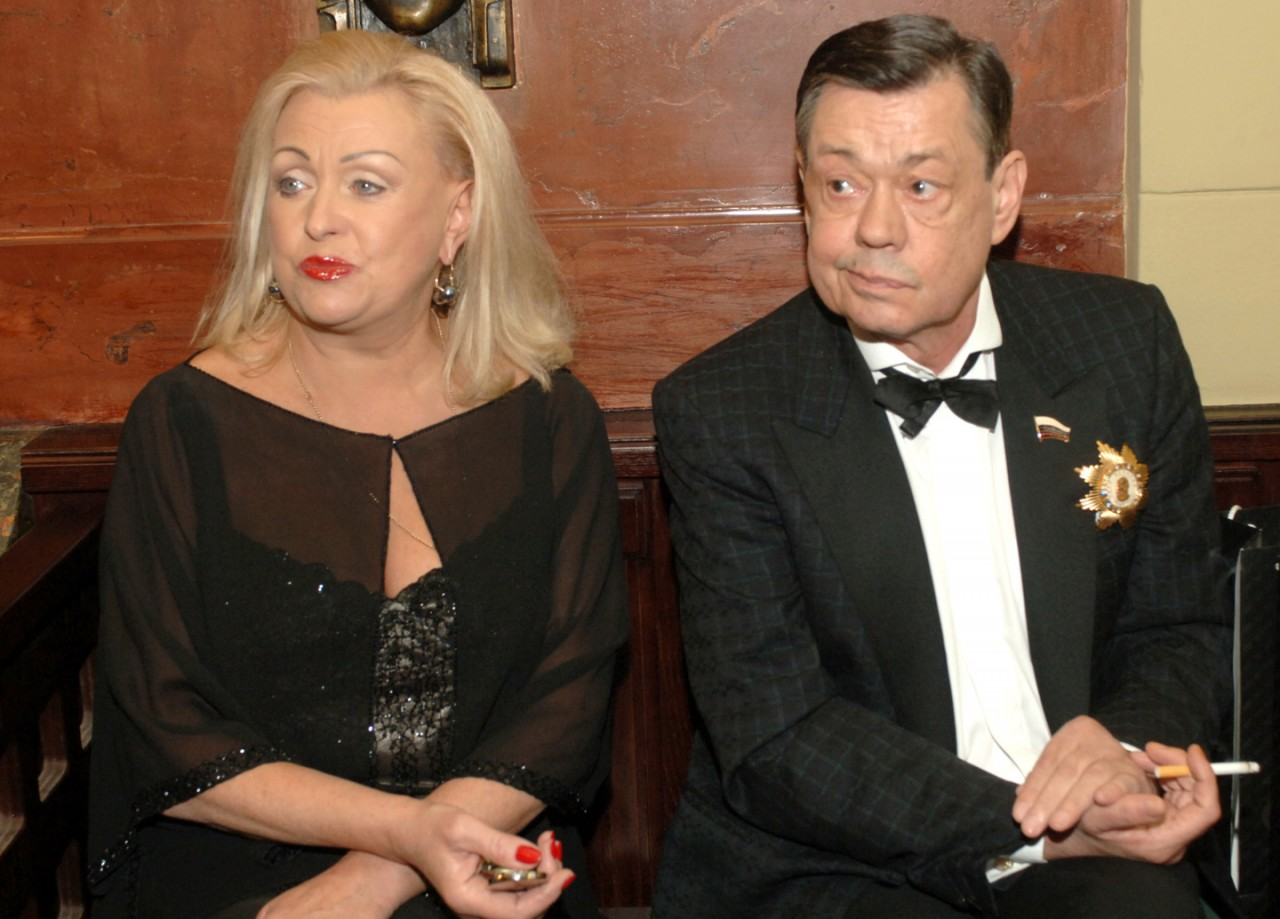 Отмучился: Жена назвала причину смерти Николая Караченцова