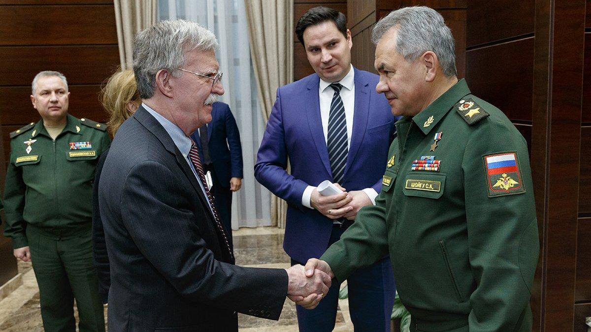 Джон Болтон призвал к расширению успешного диалога военных РФ и США по САР