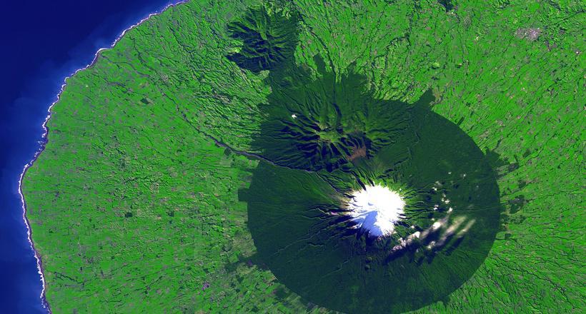 Вулкан Таранаки — новозеланд…