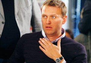 Кукиш вместо извинений: Навальный молчит о вскрывшемся вранье