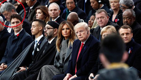 Трамп не стал здороваться с …
