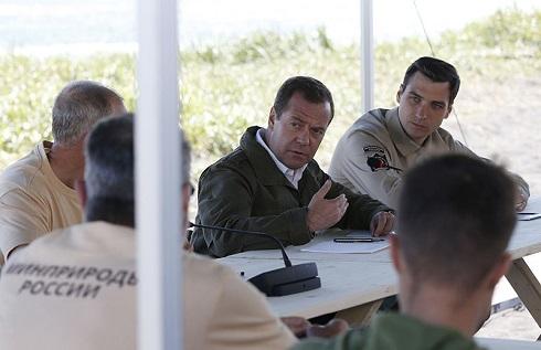 Медведев: нацпроекты должны …