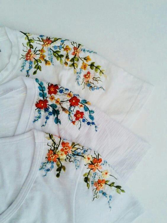 Цветочные футболки