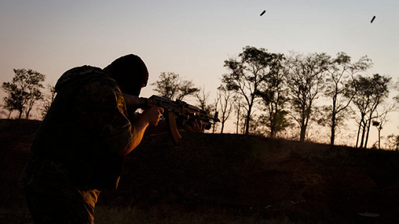 Не хочешь убивать - умри сам! Офицер ВСУ устроил показательную казнь