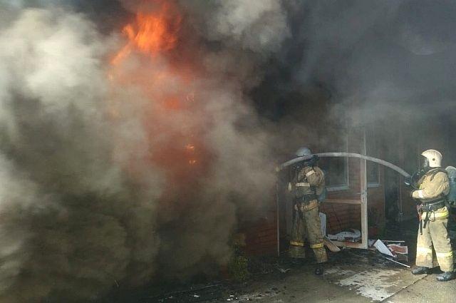 Здание, принадлежащее «Ленфильму», загорелось в Петербурге